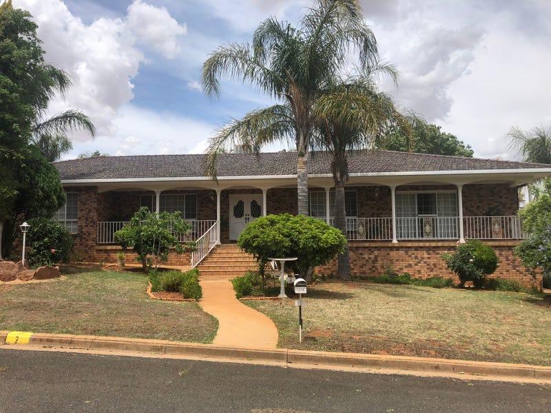 2 CENTENARY PLACE, Temora, NSW 2666