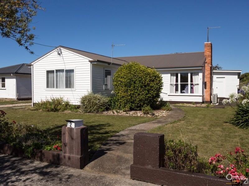 2 Lindsay Place, Devonport, Tas 7310