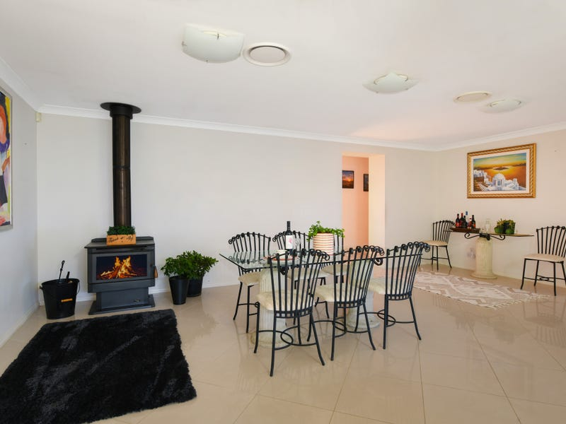 15 Blackwood Place, Robertson, NSW 2577