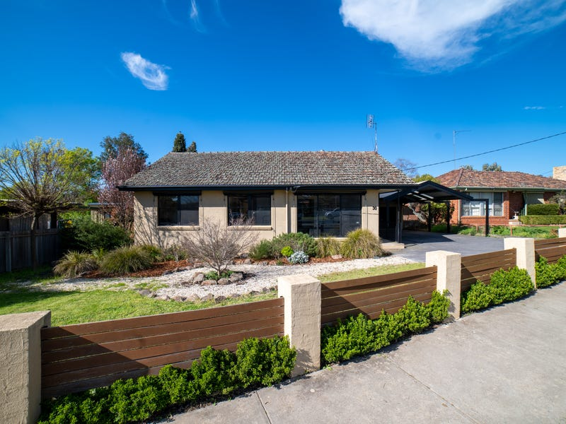 30 Lowndes Street, Kennington, Vic 3550