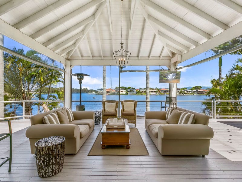 33 Cayman Drive, Clear Island Waters, Qld 4226