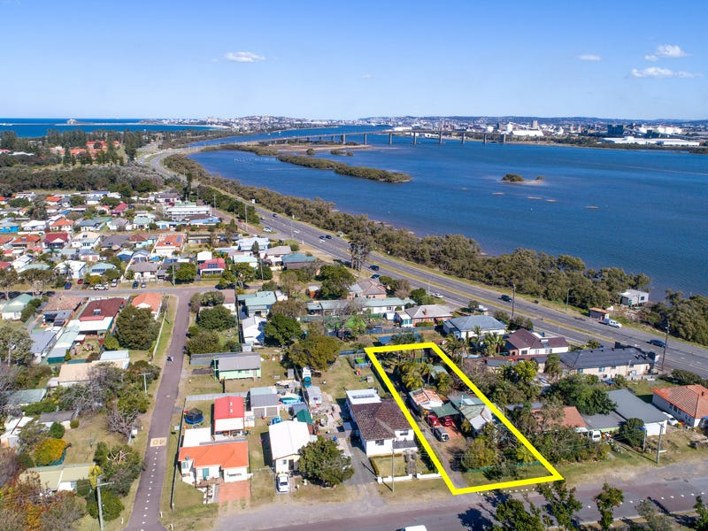 3 Vardon Road, Fern Bay, NSW 2295