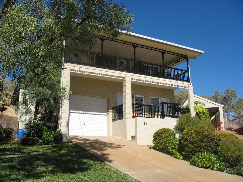 24 RAVEN, Townview, Qld 4825