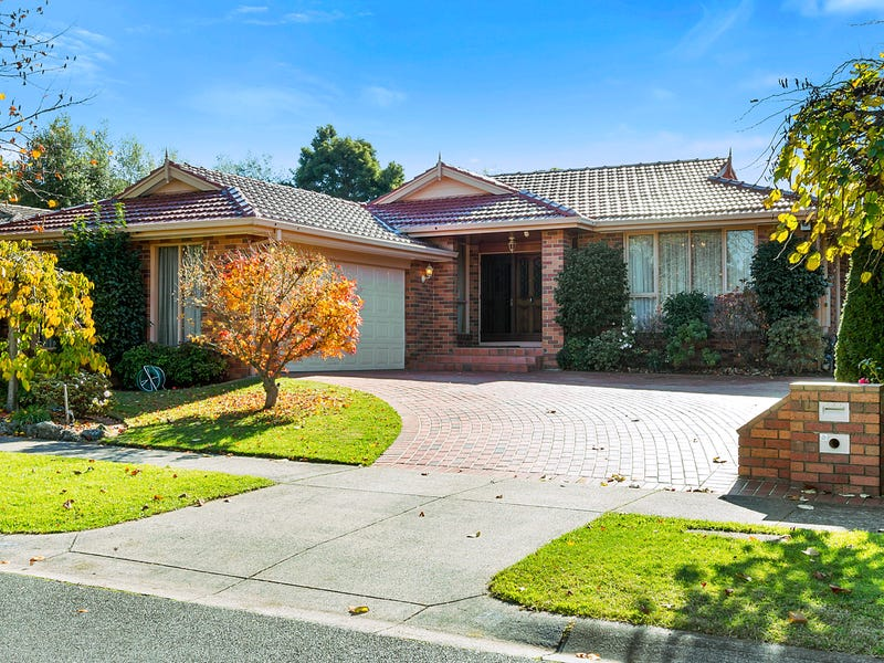11 Pioneer Close, Vermont South, Vic 3133