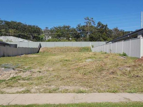 12 Flat Top drive, Woolgoolga, NSW 2456