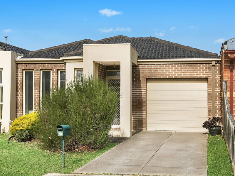 2/17 Catania Avenue, Point Cook, Vic 3030