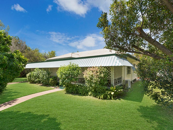 20 The Avenue, Hermit Park, Qld 4812