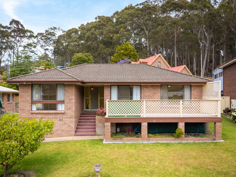 10 FISHERMANS CRESCENT, North Narooma, NSW 2546