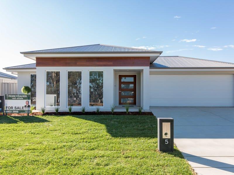5 Coppabella Drive, Gobbagombalin, NSW 2650