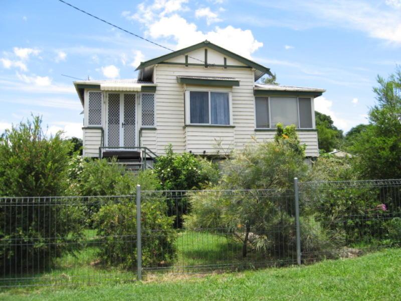 66 Stuart Russell St, Mundubbera, Qld 4626