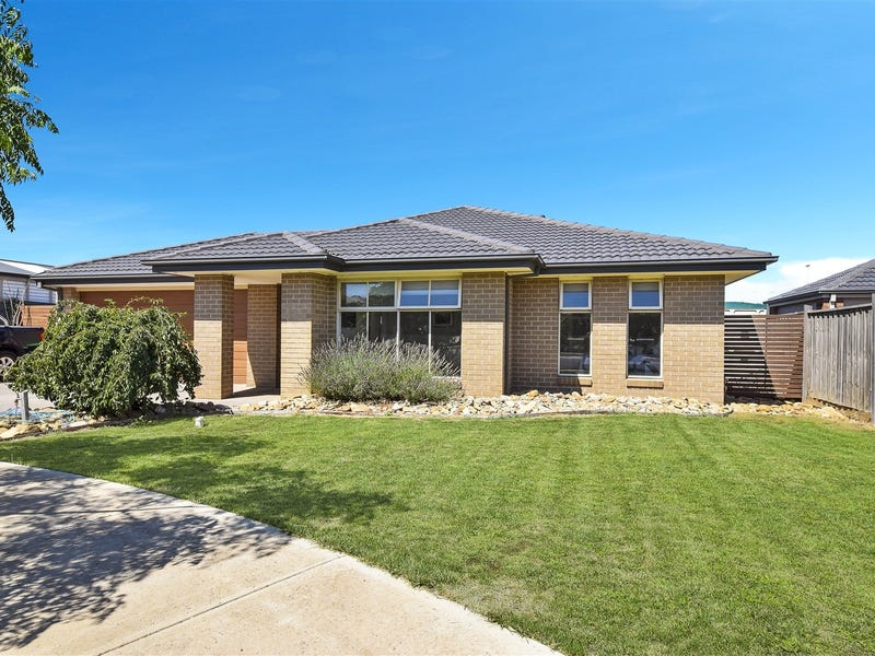 9 Stacey Court, Melton West, Vic 3337