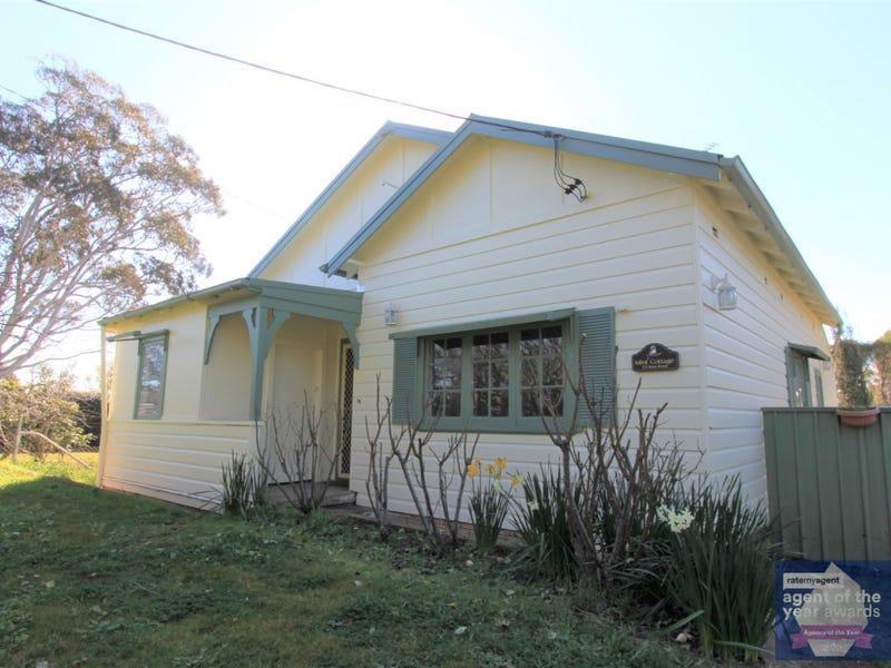 121 Rossi Street, Yass, NSW 2582
