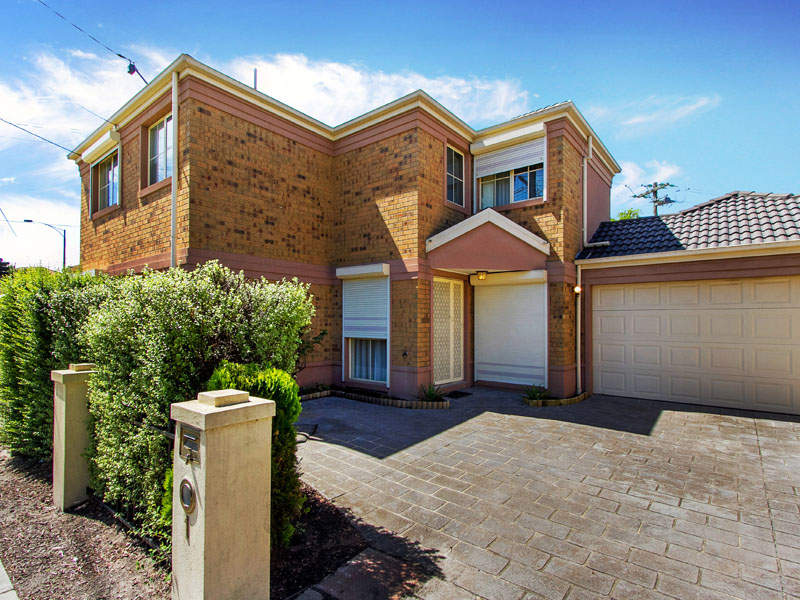 1 Howard Road, Dingley Village, Vic 3172