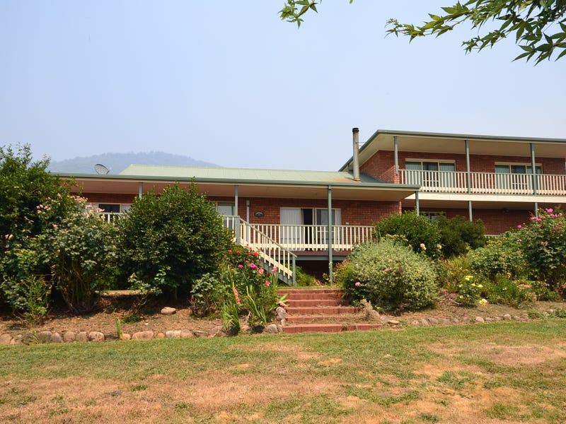 8 Gould Court, Tawonga, Vic 3697