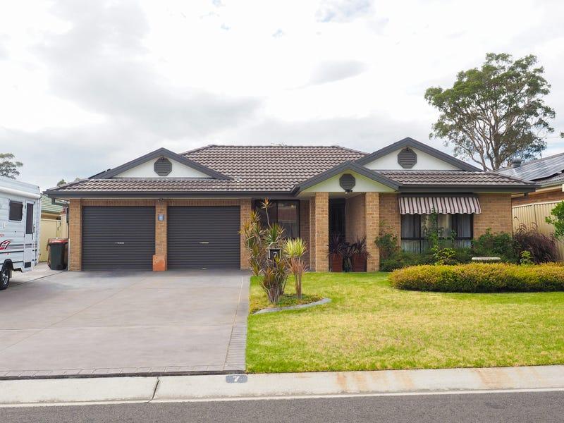7 Kardella Avenue, Nowra, NSW 2541