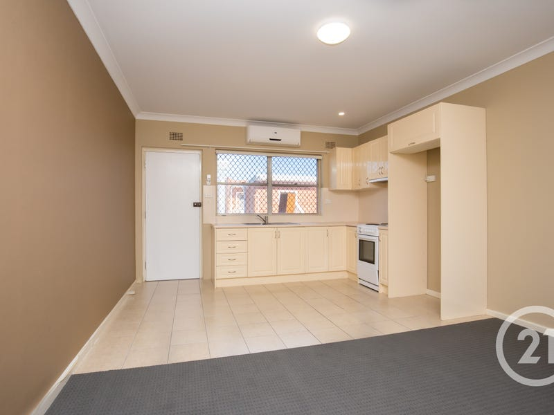 2/110 Bentinck Street, Bathurst, NSW 2795