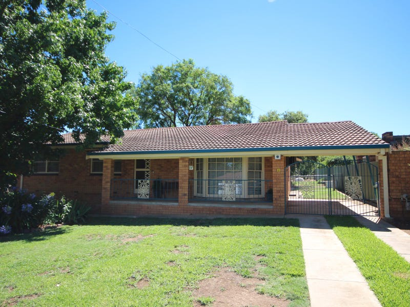 17 Truman Avenue, Tolland, NSW 2650
