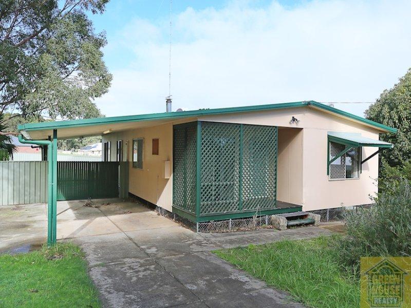 15 School Road, Yarloop, WA 6218