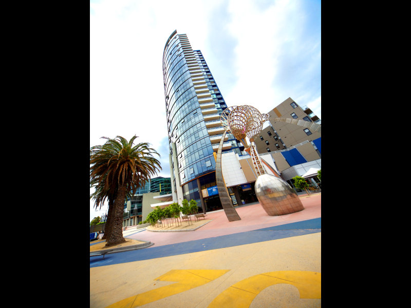 715/100 Harbour Esplanade, Docklands, Vic 3008
