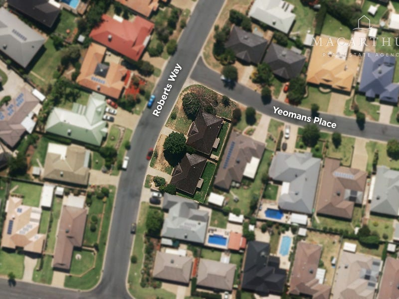 1&2/15 Yeomans Place, Kooringal, NSW 2650