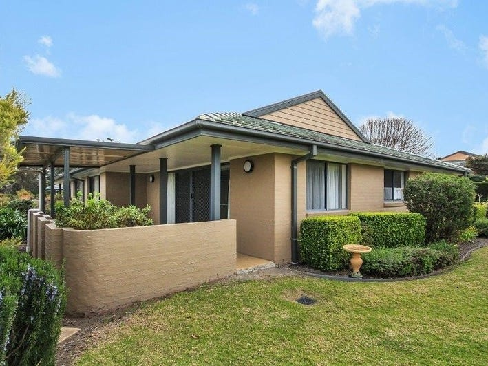 12 Walter Hood Drive, Worrowing Heights, NSW 2540