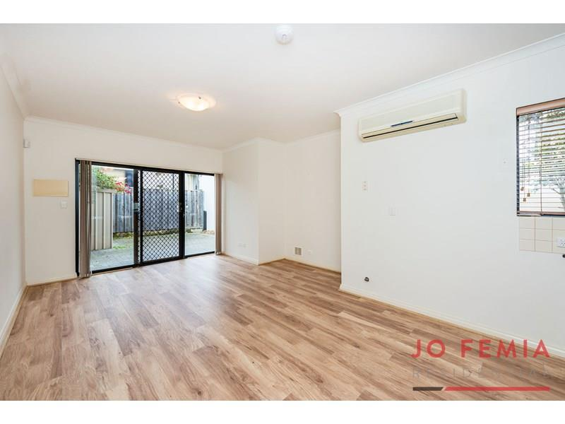 2/247  Scarborough Beach Road, Mount Hawthorn, WA 6016
