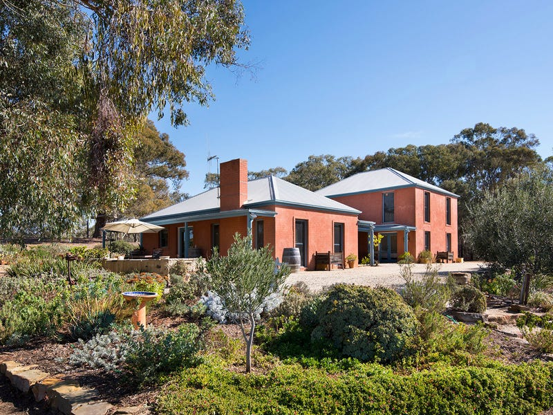 95 Odgers Road, Castlemaine, Vic 3450