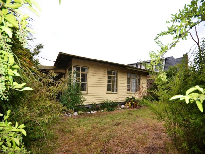 77 Lakeside Avenue, Mount Beauty, Vic 3699
