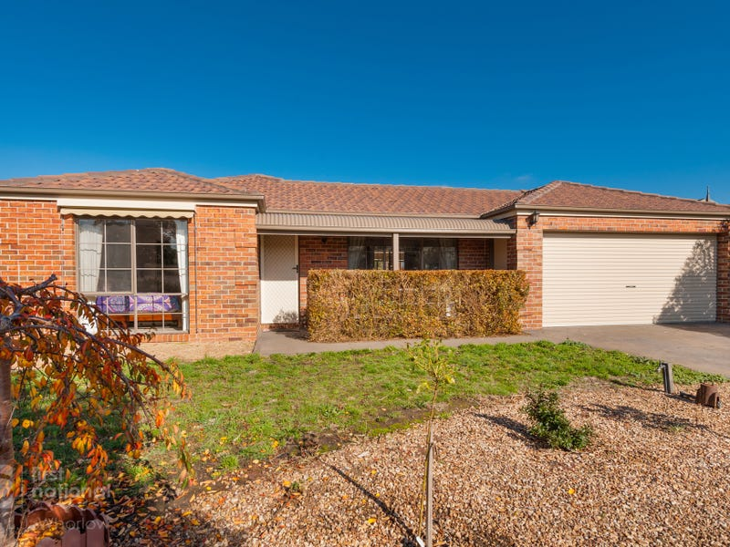 26 Black Avenue, Gisborne, Vic 3437