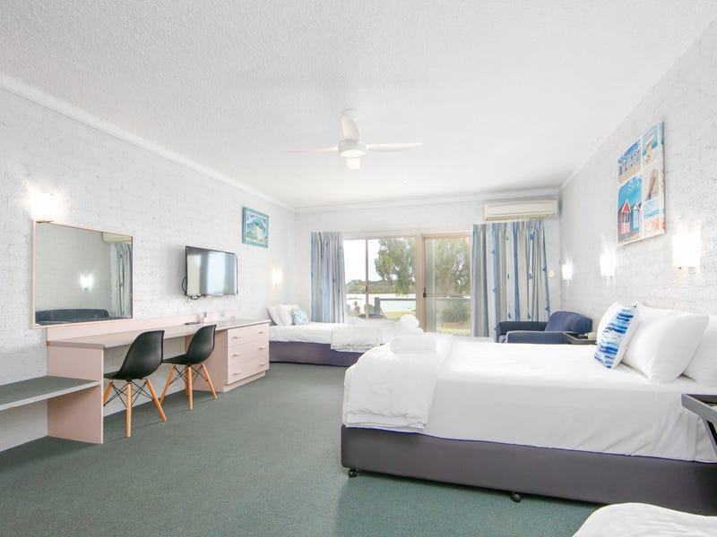 Moby Dick 9/27-29 Yamba Road, Yamba, NSW 2464