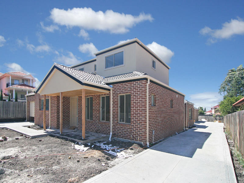 1/1 FLEETWOOD DRIVE,, Greenvale, Vic 3059