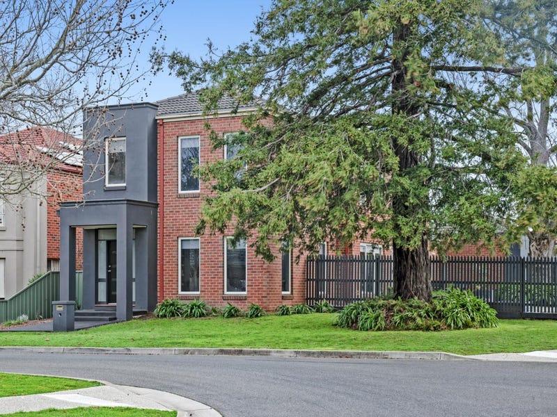 10 McPhie Place, Lake Gardens, Vic 3355