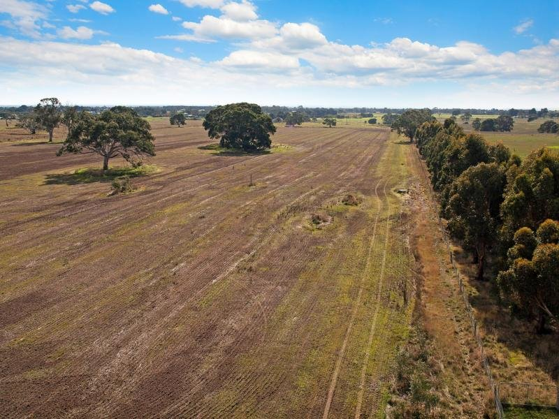15 Orchards Road, Winchelsea, Vic 3241