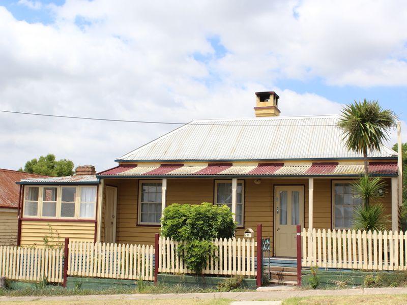 20 Bega Street, Bega, NSW 2550