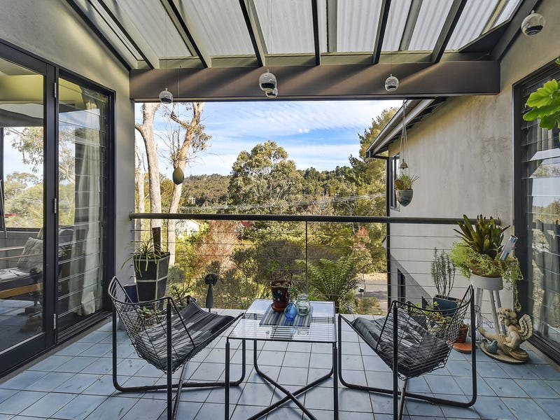 20 Glenview Road, Wentworth Falls, NSW 2782