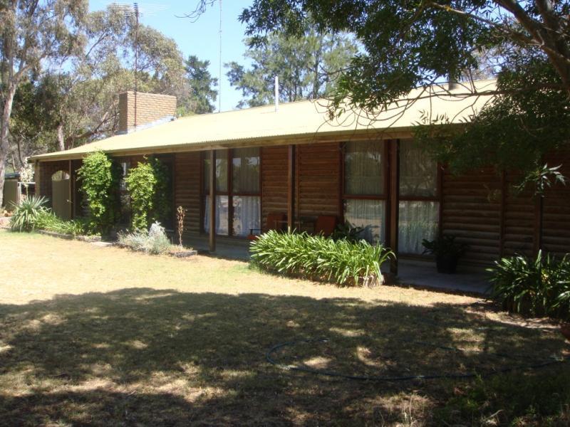 7 Parkin Hall Road, Coomandook, SA 5261