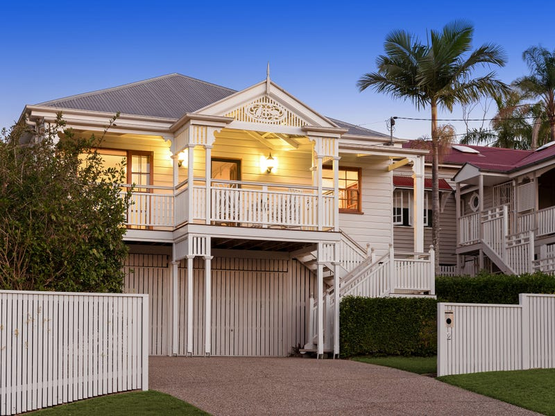 2 Rowsley Street, Greenslopes, Qld 4120