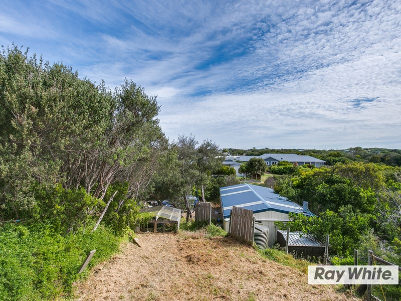 12 Alex Drive, St Andrews Beach, Vic 3941
