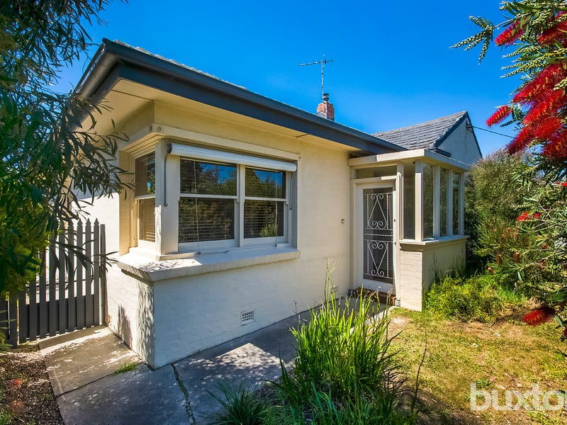 5 Pride Avenue, Hamlyn Heights, Vic 3215