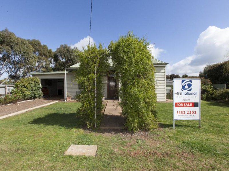 93 Montgomery Street, Lake Bolac, Vic 3351