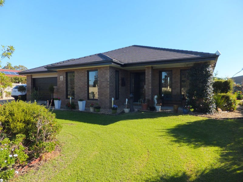 11 Tamhaven Drive, Swan Reach, Vic 3903