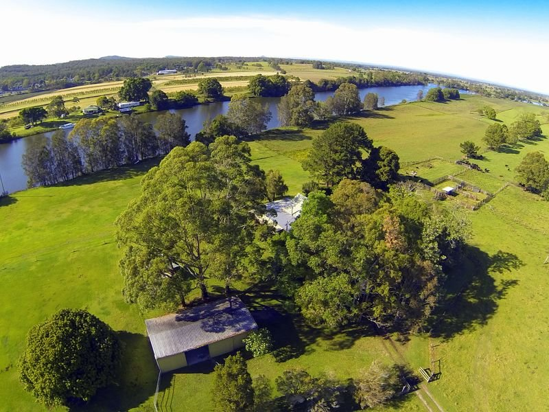 271 South Arm School Road, Woodford Island, NSW 2463