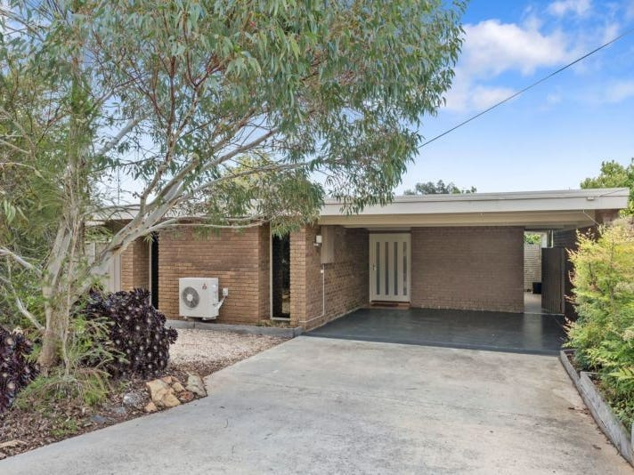 8 Rosemary Avenue, Strathdale, Vic 3550