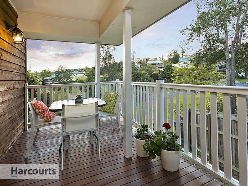 15 Donegal Place, The Gap, Qld 4061