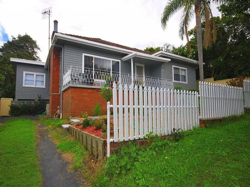 18 Moore Street, West Gosford, NSW 2250