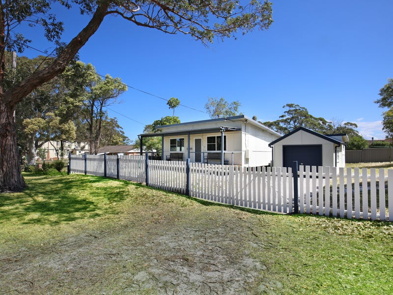 19 Centre Street, Callala Beach, NSW 2540