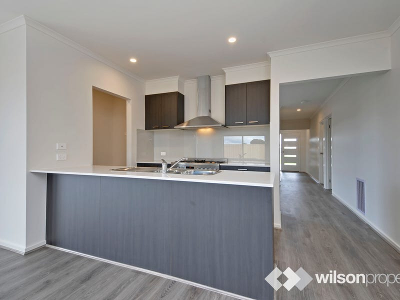 16 Mitchell Drive, Traralgon, Vic 3844