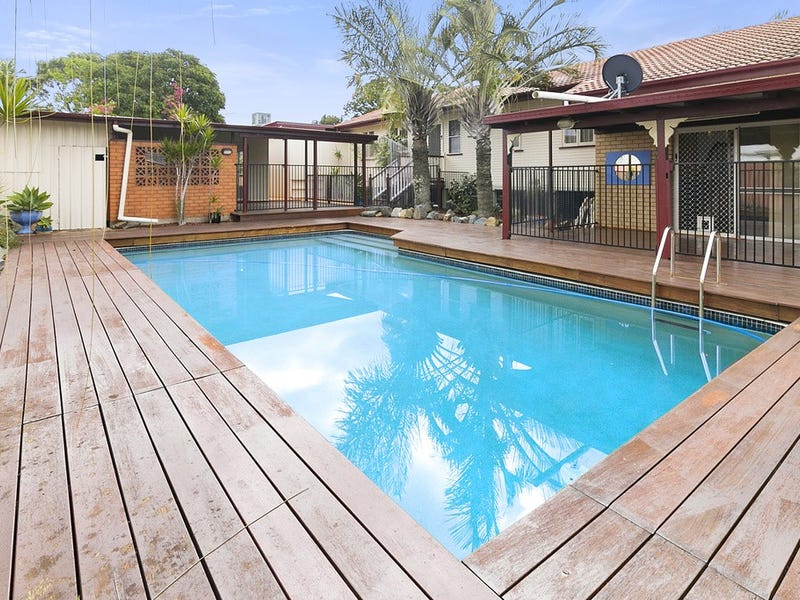 8 Burns Lane, Silkstone, Qld 4304