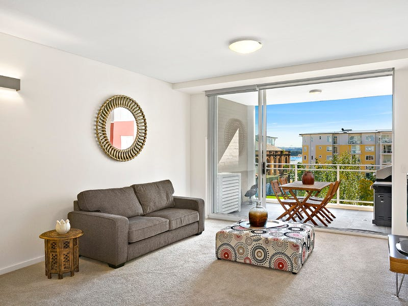 207/7-11 Magnolia Drive, Breakfast Point, NSW 2137