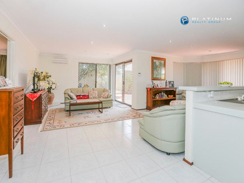 17 Ranford Way, Hillarys, WA 6025